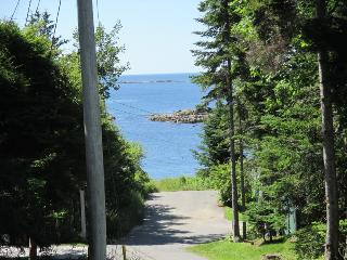 THANKFULNEST | EAST BOOTHBAY, MAINE | OCEAN POINT | GRIMES COVE BEACH & BOAT