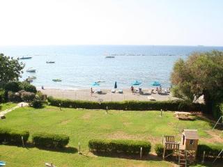 Spacious Luxury Apartment on the Beach, Limassol