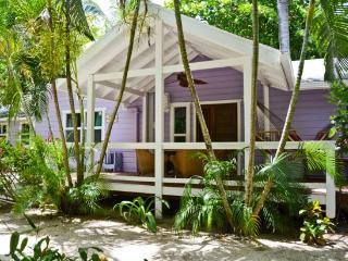 KD`s Beach House, West Bay