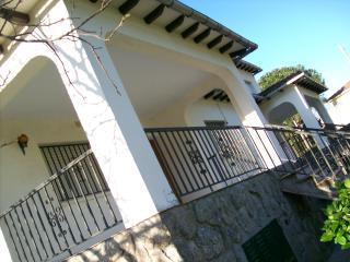 aMatalasviñas Chalet 2-La Serradilla, Piedralaves