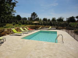 villa piscine privée sur jardin de 3300m² calme, La Verdiere