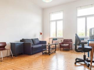 Sunny Room with Balcony for 1 Girl in 2 girls WG, Berlin