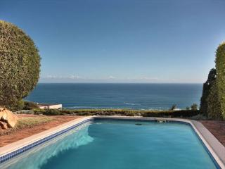 7th Heaven 3bed Camps Bay with Panoramic Sea Views