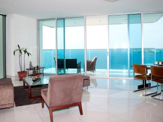 Luxury Two Bedroom on the Beach, Cartagena