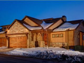 Luxury Townhome With Stunning Lake And Mountain Views + Year Round Recreation
