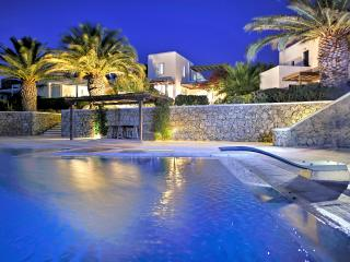 Seventh Heaven!...(Jacuzzi under the stars!...), Platys Gialos
