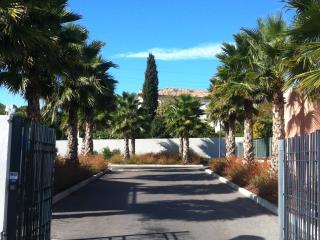 T2 Rez de Jardin / Rés de standing avec piscine, La Ciotat