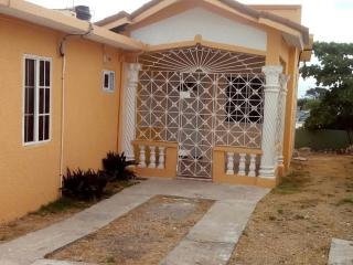 Holiday Villas Hellshire, Portmore