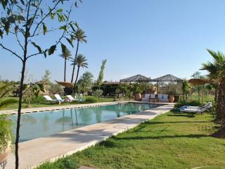 Spacious and modern 5 bedrooms  holiday Villa, Marrakech