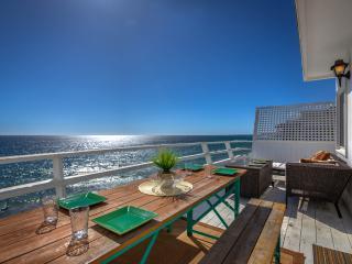 Stunning Oceanfront Malibu Property, Malibú