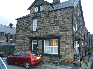 2 x  BUDGET SINGLE BEDROOMS IN FAMILY HOME, Otley