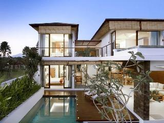3 Bedroom Villa Near Echo Beach - Canggu