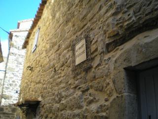 maison dans village medieval  le mazet d eugenie, Saint-Hippolyte-du-Fort