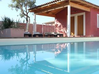 Villas 4**** 6/pers piscine,sauna,proche de la mer, Lecci
