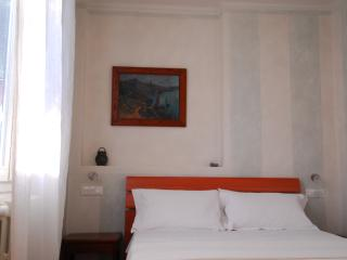 Flat in Bologna with green courtyard., Bolonia