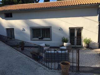 maison de charme a deux pas d Avignon, Les Angles