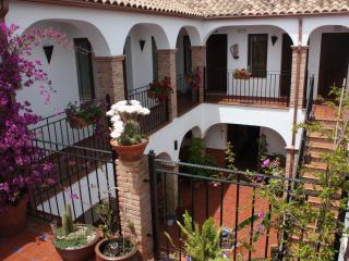Casa Rural alquiler habitaciones a 20Km de Córdoba, Almodóvar del Río