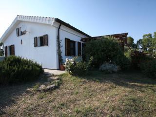 Nerelie Home-Villa tra mandorli e olivi -wi-fi free!!!