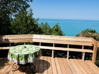 Bayfield, waterfront & private beach on Lake Huron