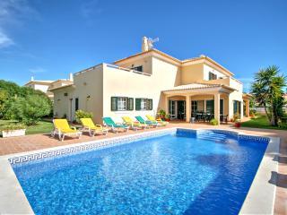 V5 Golf - 5 bed villa w/ pool, Albufeira