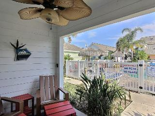 Fabulous 2/2 loft condo boasts a tropical lagoon style community pool!, Port Aransas