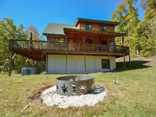 Impressive Mountain Log Home in tranquil setting!, Swanton