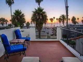 Steps to La Jolla Shores Beach - Spanish Hacienda w/ oceanview rooftop deck!