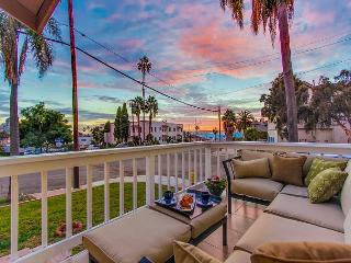 2BR Harbor-View Home in Banker Hill – Walk-Friendly!, San Diego