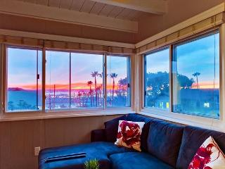 2BR Surreal Sunsets in Mission Hills – All Updated, Sleeps 6