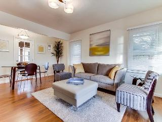 2BR City & Bay Views in Banker Hill – Sleeps 6 in a Coveted Location