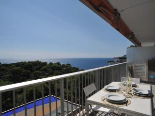 Apartment sea view Pool and tennis by sea, Roquebrune-Cap-Martin