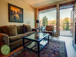 Large Private Outdoor Terrace by Sage Vacation Rentals, Chelan