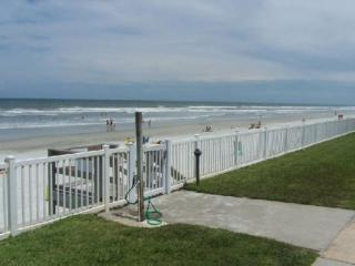 Condo on the beach, New Smyrna, New Smyrna Beach