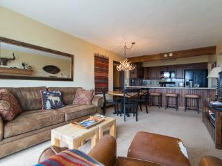 Bronze Tree Condo - Living Room View