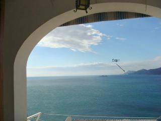 Casa Hella with seaview to Capri and Positano WIFI, Praiano