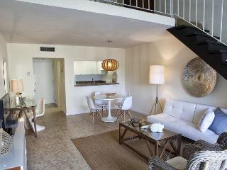 1 Bedroom/ 1 Bath Spacious Loft in Key Biscayne (Sleeps 2-4), Cayo Vizcaíno