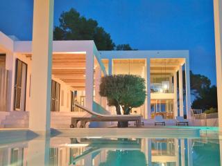 Villa de diseño arquitectónico - 6 habitaciones, San Lorenzo