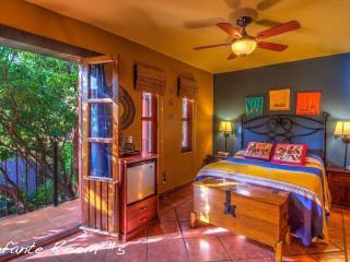 Infante Room @ Casa de Leyendas B&B, Mazatlán