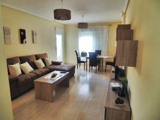 Charming 3 beds apartment 150 mts from the beach, Campello