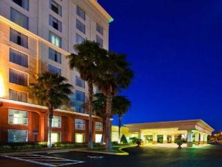 Holiday Inn & Suites Across from Universal Studios, Orlando