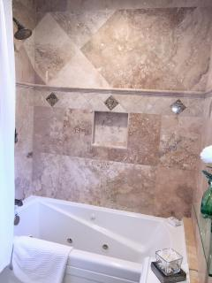 Whirlpool tub / shower combination in master bath