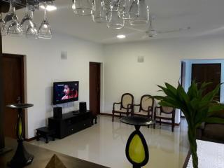 JayaVilla 4BR Holiday Villa, Hikkaduwa