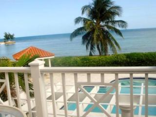 Oceanview Townhouse, Nassau