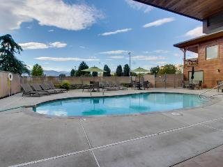 Warm, modern, and just a short walk to downtown Chelan