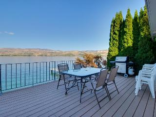 Lakeside home with private dock & views of Lake Chelan!