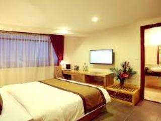 Hong Hoa Hotel, holiday rental in Ho Chi Minh City