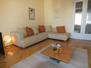 Erőd utca apartment in I Castle District with WiFi & balcony.