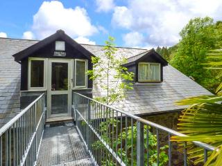 BRECON COTTAGES - CROWS NEST 1 (NO. 17), cosy cottage, with shared swimming pool, National Showcaves, single-storey, near Pen-Y-Cae, Ref. 925421, Pen-y-cae