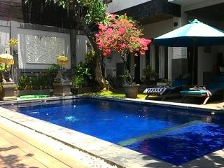 Seminyak Villa Near The 66 Beach