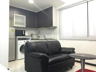 Haw Par Villa 1BR Serviced Apartments